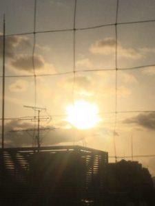 台風の最中のキセキの夕日